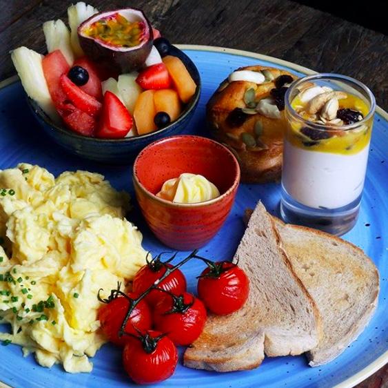 Best breakfasts in Dubai - Surf Cafe