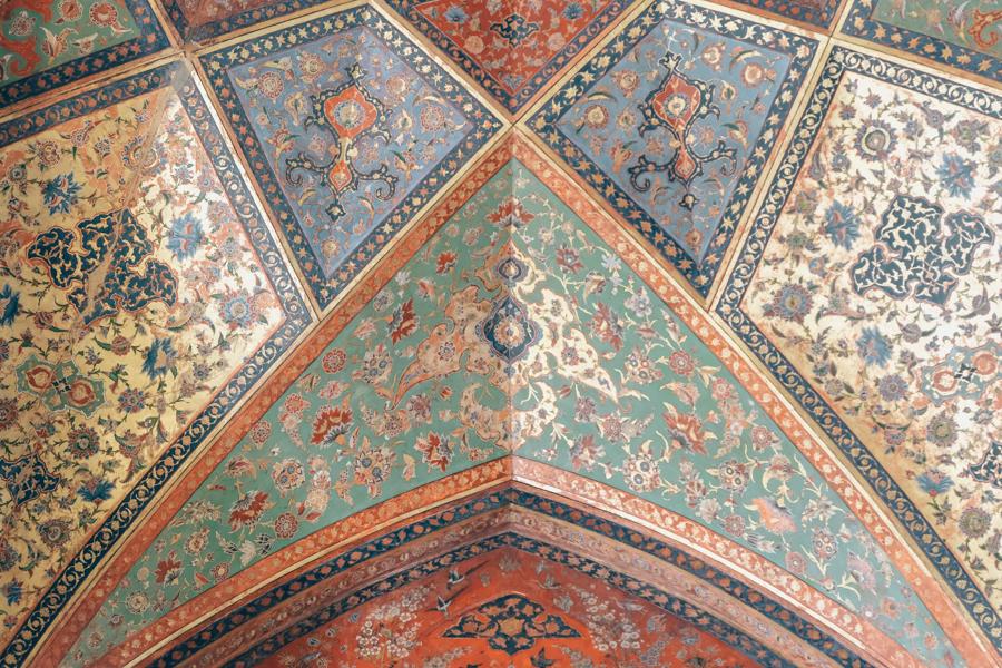 Esfahan KAKH-E CHEHL SOTUN ceiling painting