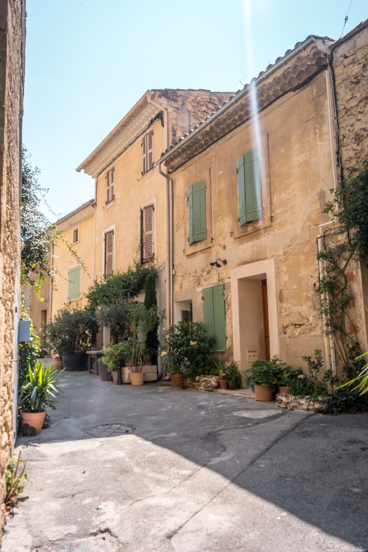 Provence Luberon village Lourmarin