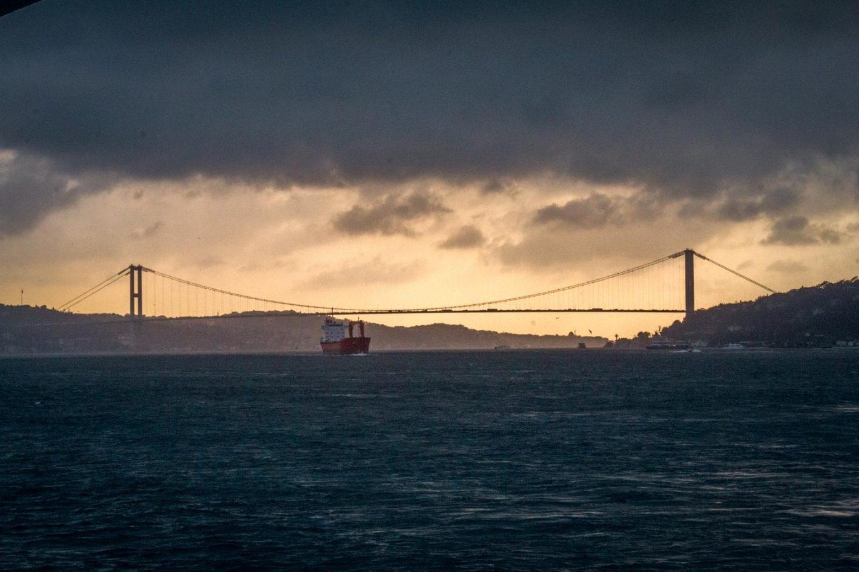 Istanbul itinerary - 3 days in Istanbul Bosphorus Cruise sunset
