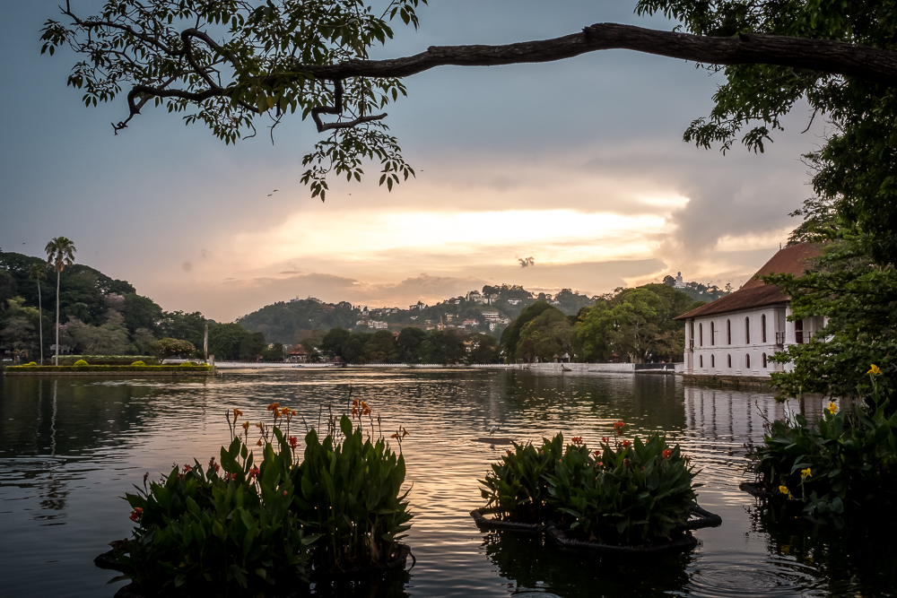 Sri Lanka itinerary - Kandy Lake Sunset