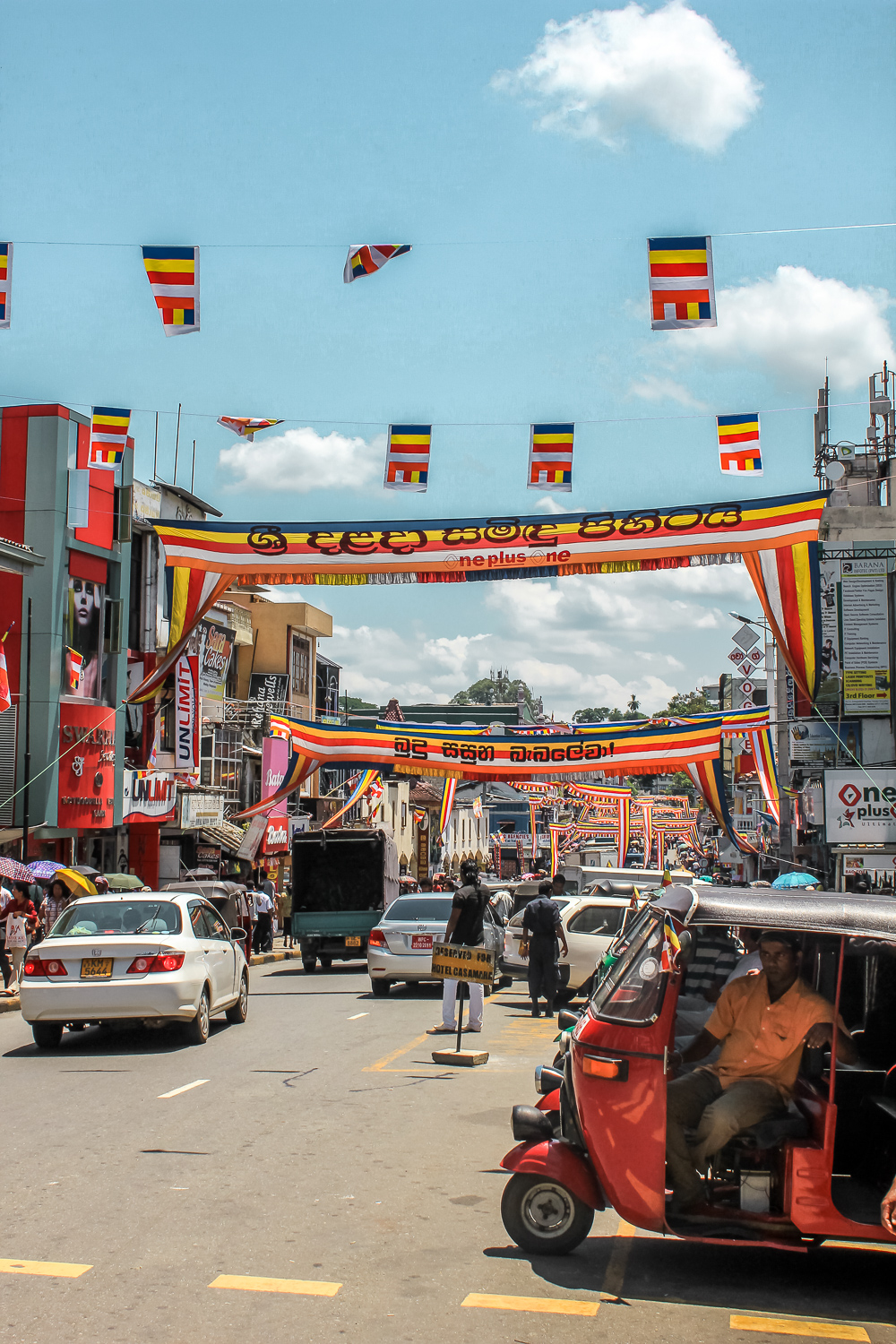 Places to visit in Kandy- Kandy Streets
