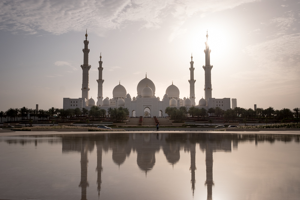 Abu Dhabi holidays  Sheikh Zayed Grand Mosque