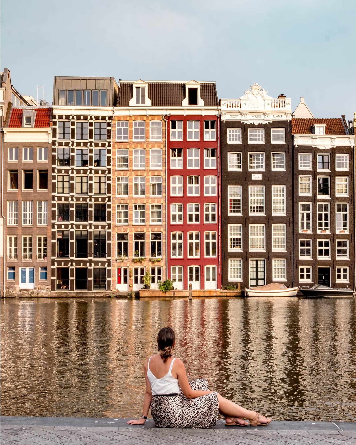 2 days in Amsterdam Damrak houses